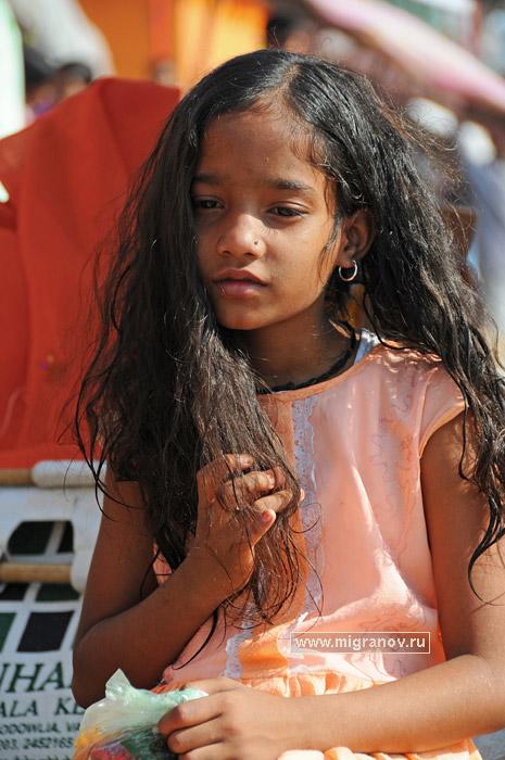 Фото маленькой девочки-красавицы. Фотография детей Индии: http://migranov.ru/india/varanasi/27.php