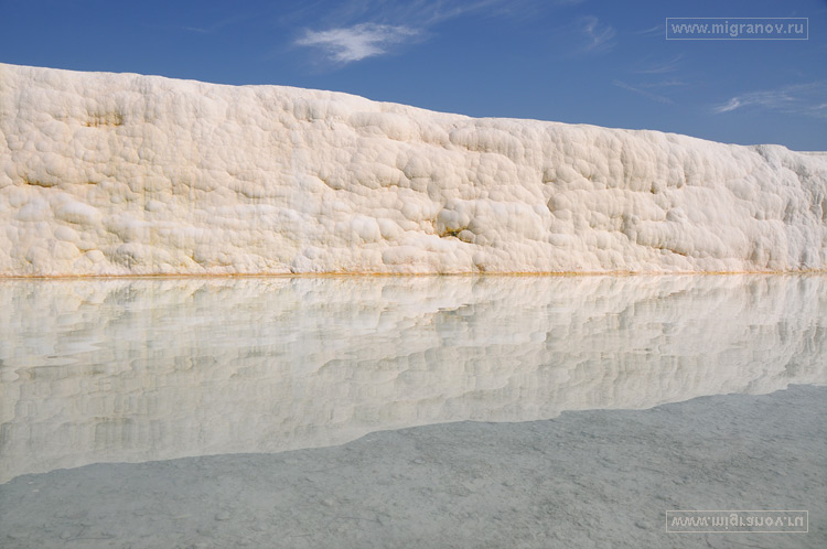 http://migranov.ru/turkey/pamukkale/reflection.jpg